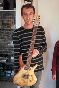 boutique guitar showcase luthier benoit guilbert guitare