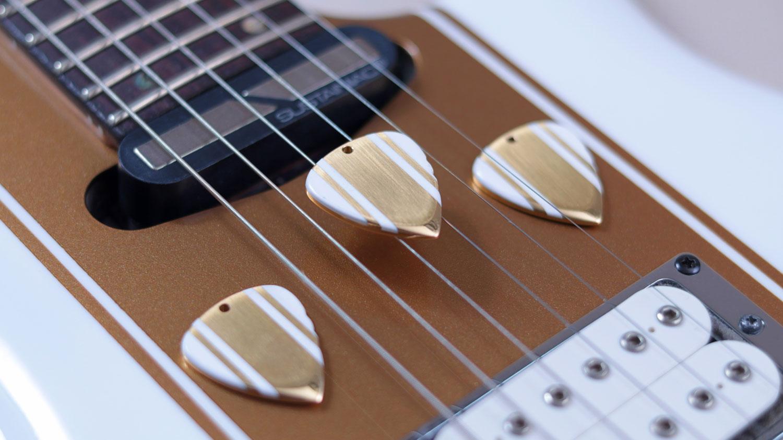 guitare xtreme 84 magazine concours riki le plectrier saturax