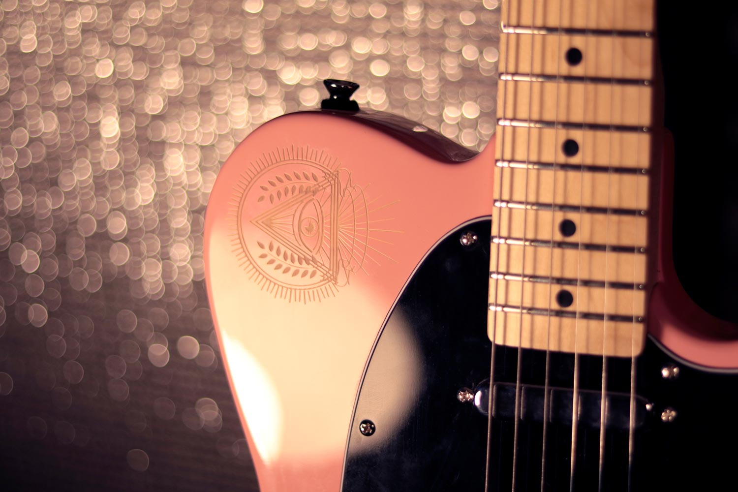 ripley guitare eagletone custom illuminatis