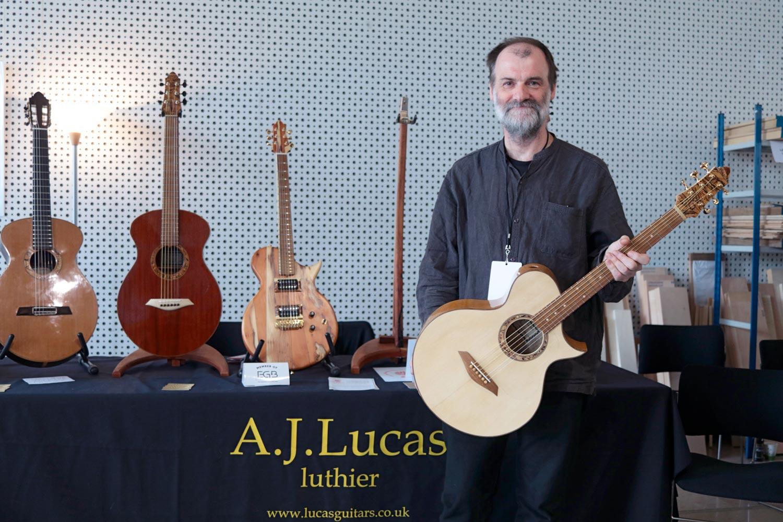 aj lucas adrian luthier acoutique guitares au beffroi
