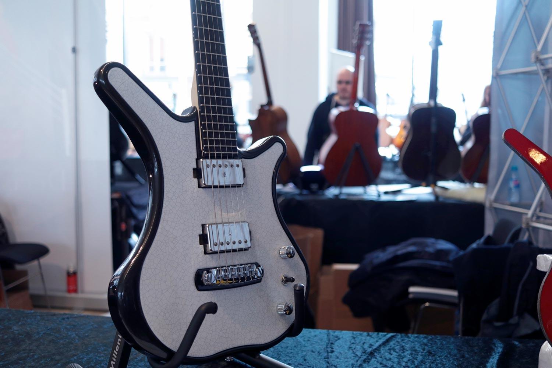 nemeton acoustic pierre de lave guitare