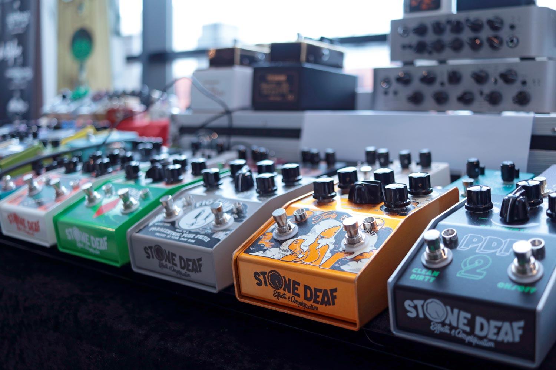 stone deaf effets amplification guitares au beffroi